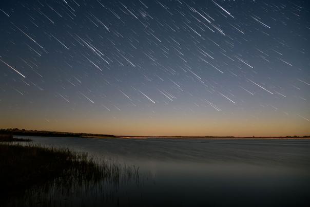картинки звездопад над озером весной большей