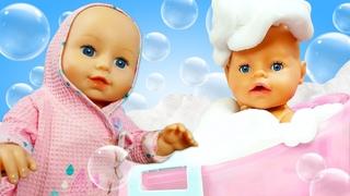 Беби Бон Аннабель купается в ванной! Большой сборник видео на английском языке.