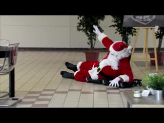 Santa Claus Makes One Last Pit Stop ПРАНК