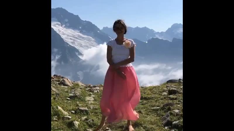 Ладки зарядки в Сказочно красивых горах Домбая🏔