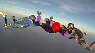 Kris does AFF/A parachute jump with Mario & Chris