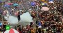 Участники карнавала в Рио-де-Жанейро устроили стычки с полицией