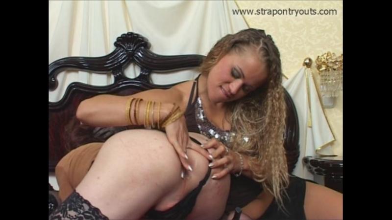 Госпожи трахают раба - бдсм, страпон, кунилингус, куни, фистинг, анал, strapon, fisting, cucold, femdom, фемдом