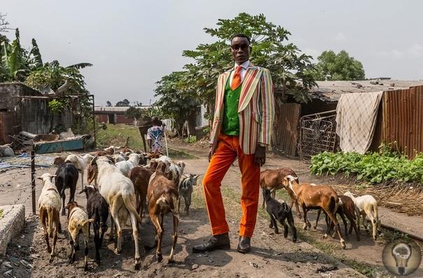 МОДНЫЕ И КРАСИВЫЕ Фотопроект о том, как жизнь в трущобах уживается с любовью к высокой моде. Репортаж из Конго.Внешность для конголезцев предмет гордости, а местная пословица гласит, что лучше