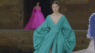 Valentino Haute Couture Fall Winter 2022 (FW22) 🥻