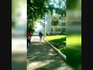 Момент расстрела учащихся колледжа в Керчи
