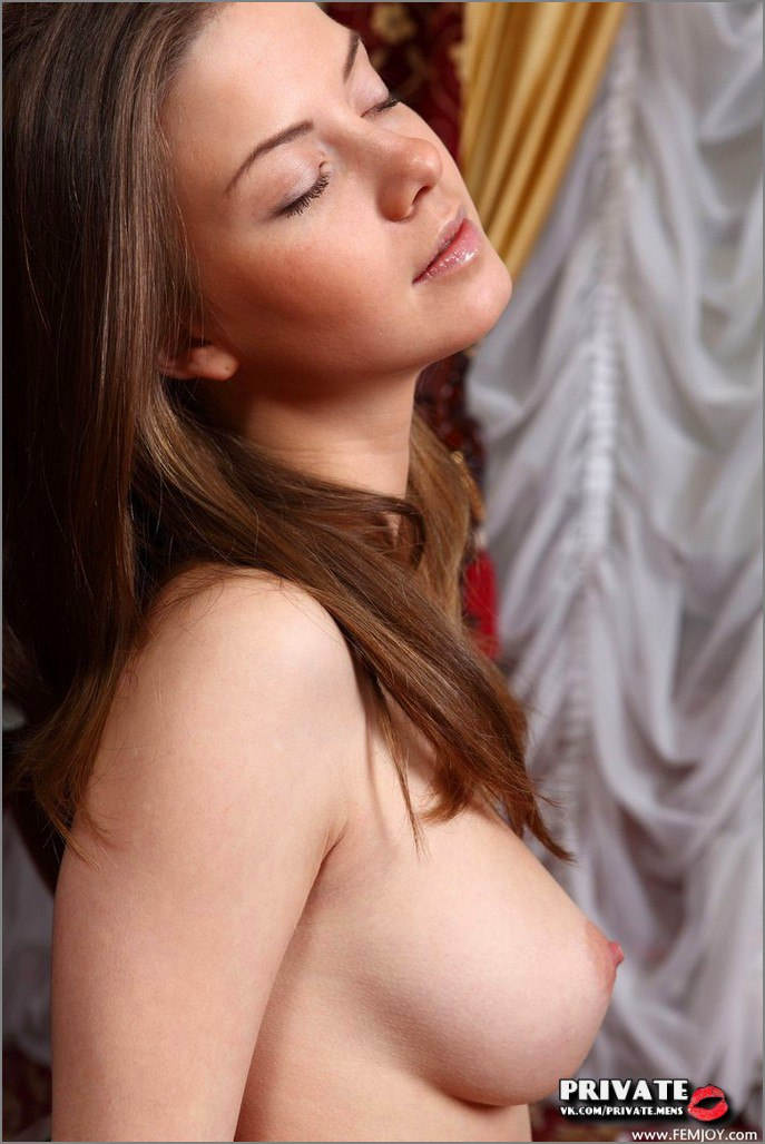 Young naked daughter pics