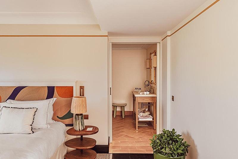 Винтажный дух отеля Lou Pinet в Сен-Тропе
