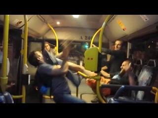 Добро пожаловать в Гейропу ● Польские курвы щемят хохлов в автобусе, а затем целуются с ними же