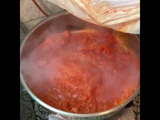 Здоровенный хот-дог