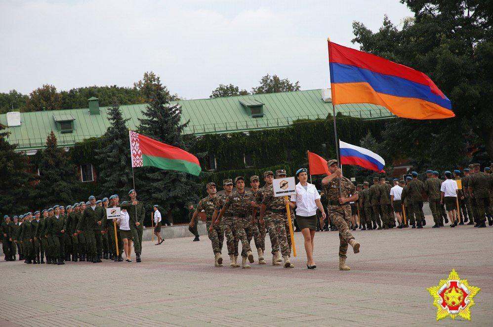 В Брестской крепости прошла церемония открытия конкурсов «Снайперский рубеж», «Полярная звезда» и «Уверенный прием»