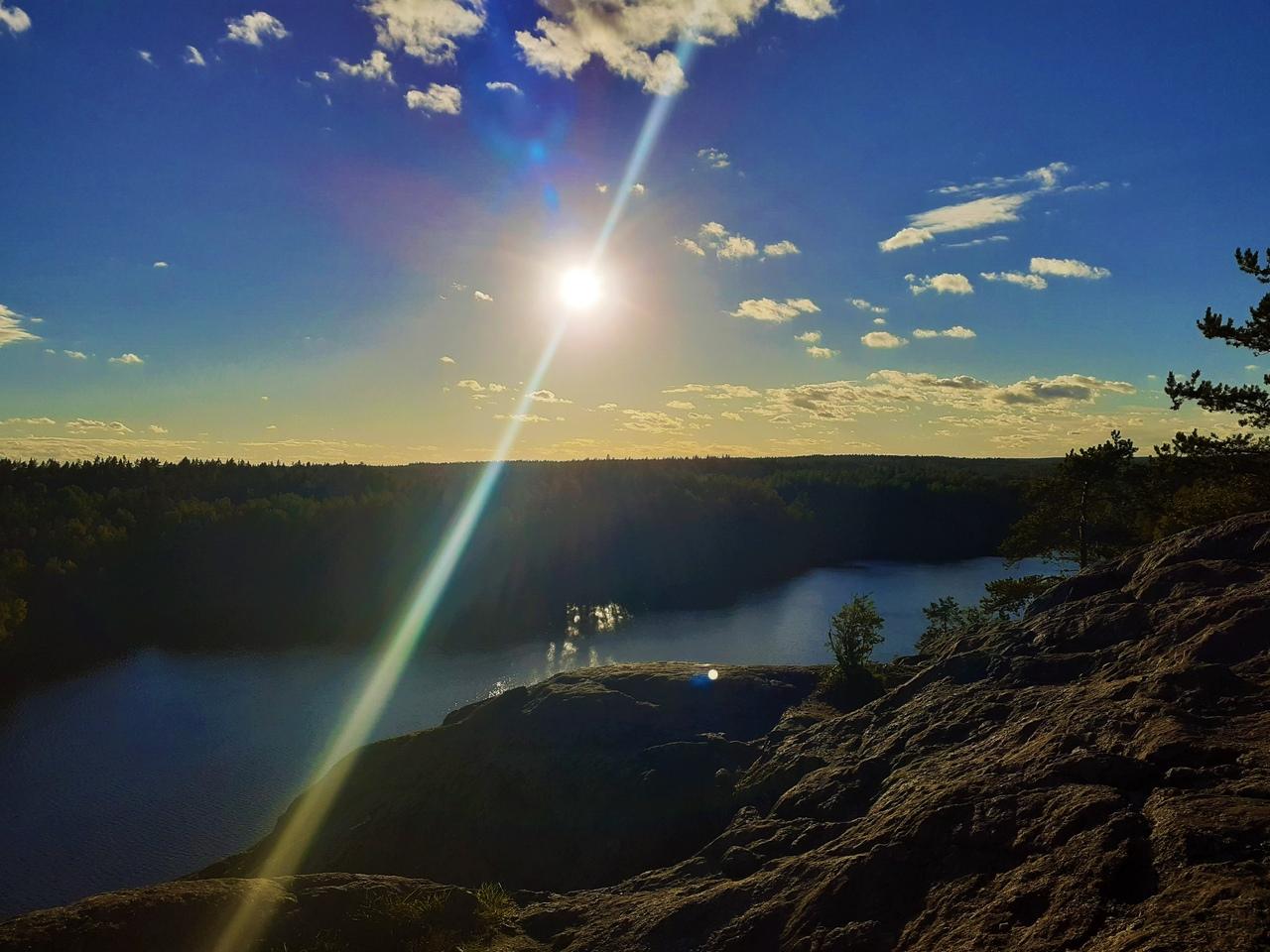 Большие скалы под осенним солнцем. Новый маршрут на Ястребиное озеро