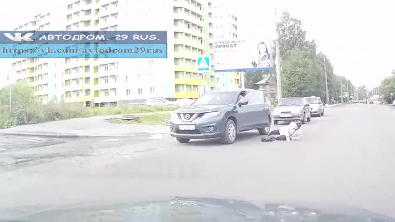 Архангельск Сбили женщину на переходе