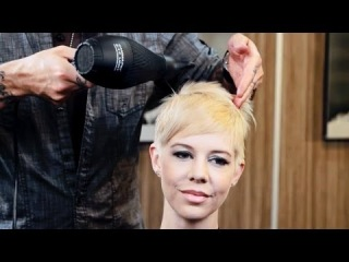 How To Blow Dry Short Hair With Strong Growth Patterns