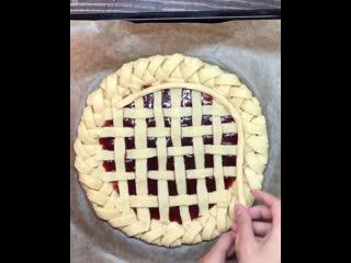 Песочный пирог с джемом (Ингредиенты указаны в описании видео)