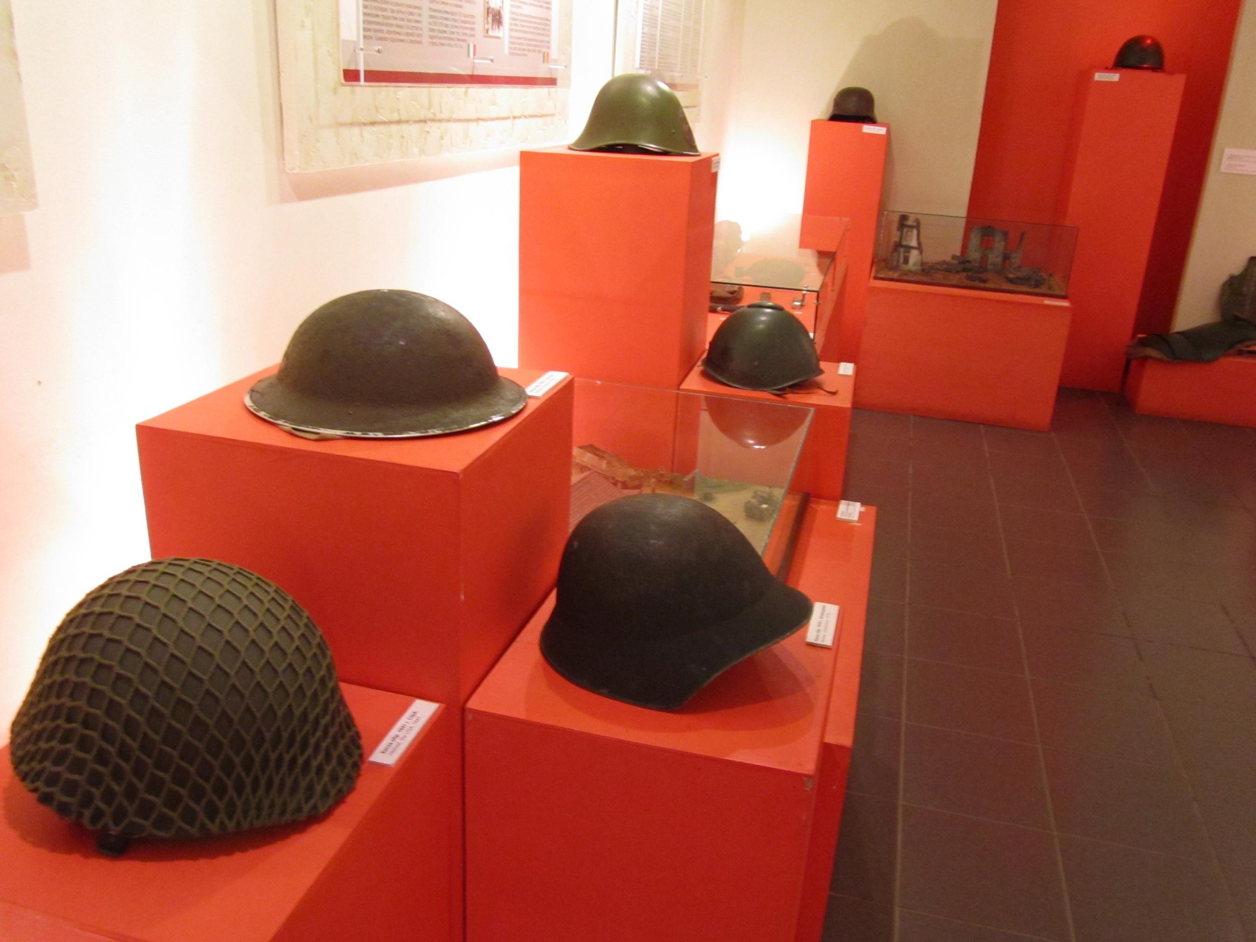 Каски в Лысьвенском музее каски