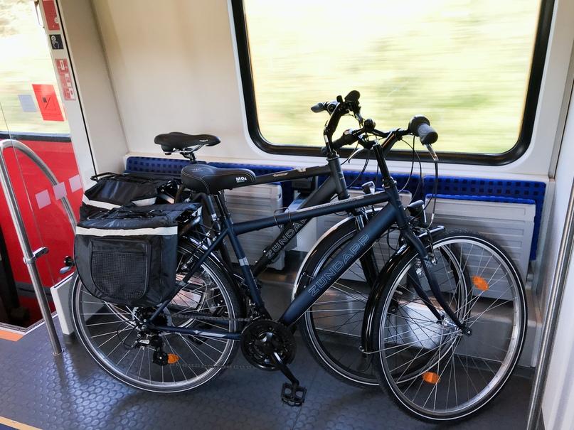 Специальное место в поезде для провоза велосипедов