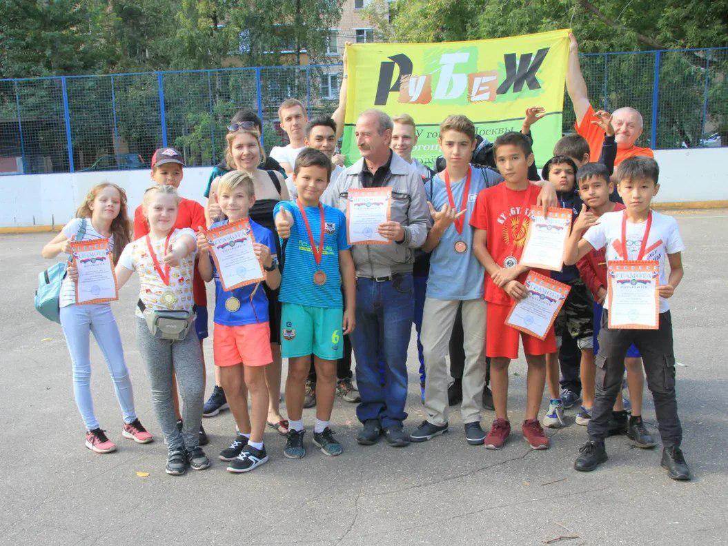 Соревнования по городошному спорту прошли на Есенинском бульваре