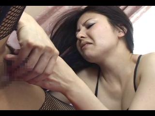 Жестокий мир японского офиса насилие, унижения, лесбийские игры с принуждением