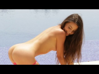 Lorena Garcia - Champagne Supernova