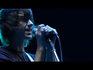Arctic monkeys - cigarette smoke (live at the reading)