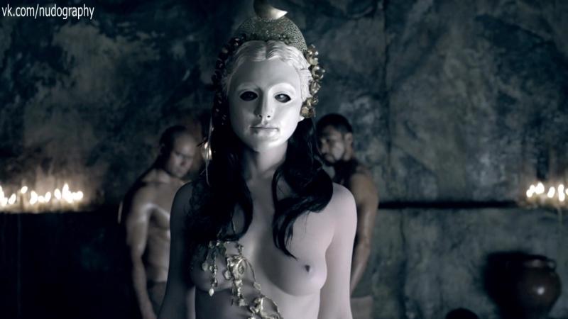 Обнаженные Катрина Ло И Люси Лоулесс – Спартак: Кровь И Песок (2010)