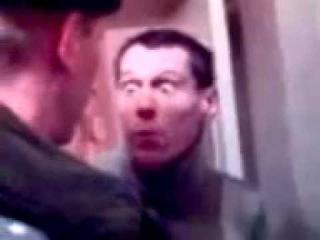 Мент,чё ты мне дверь выпилил?