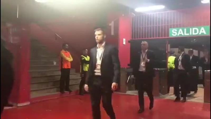 Спартак прибыл на стадион Рамон Санчес Писхуан Севилья