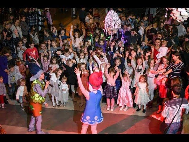 Дитяча дискотека у Рівному запальні танці, аніматори та снігове шоу