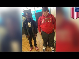 Подросток подарил однокласснику в драных башмаках кроссовки Air Jordan