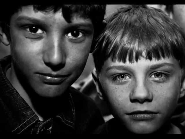 Грустное видео до слез Про детей сирот((