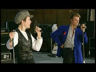 David Bowie & Annie Lennox & Queen - Under Pressure (Live)