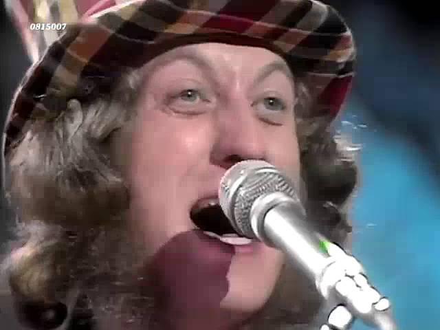 Slade Cum On Feel The Noize 1973
