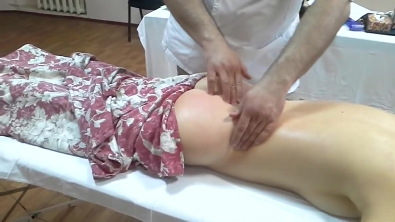 Делаем мануальный массаж Как избавить пациента от защемления седалищного нерва » FreeWka - Смотреть онлайн в хорошем качестве