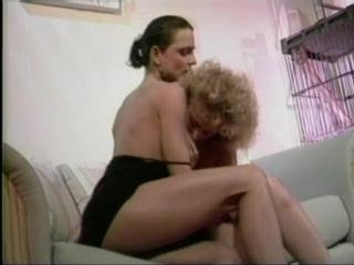 Hermaphrodite liz anne meets fucks fefe ( гермафродит )