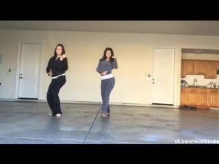 Awesome Dance By Overseas Indian On A Popular Bollywood Number