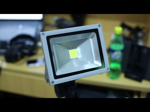 DIY Super Cheap and Bright 50W LED light for Video (for HDSLR video)