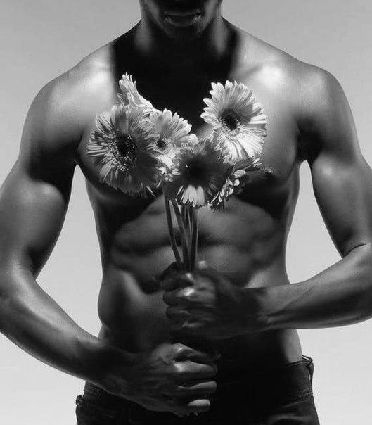 Открытки дню, картинки мужчины с цветами с днем рождения женщине