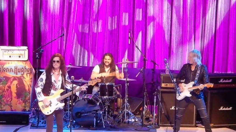 Glenn Hughes Plays Classic Deep Purple Smoke On The Water @ NYCB Theater at Westbury 8 25 18
