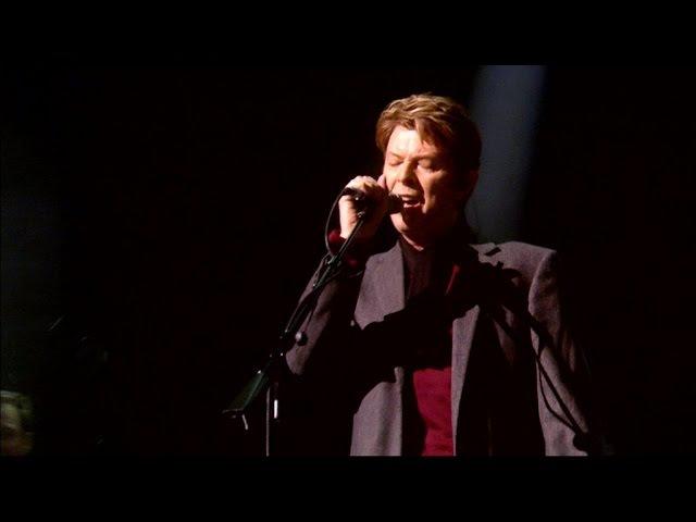 David Gilmour David Bowie (HD) - COMFORTABLY NUMB - Royal Albert Hall, 2006