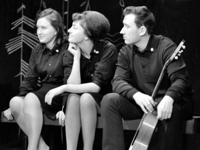 Ляля Фрайтор и Тамара Комиссарова исполняют песню Юрия Визбора - Ты у меня одна (1967)
