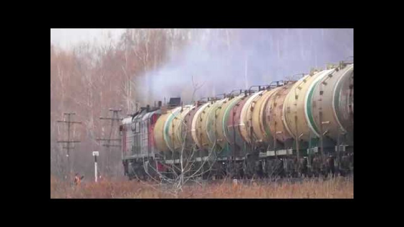 Тепловоз 2ТЭ10М 2950 с наливным поездом 27 10 2017