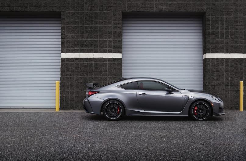 Обновленный Lexus RC F и трековая версия из карбона, изображение №9