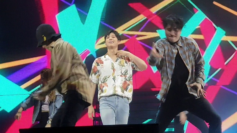 19.3.9 Park Bo Gum @Singapore FM..dancing to songs montage ^^