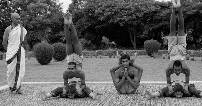 Каким должен быть йогачарья (учитель йоги) в школе юкти-йоги?, изображение №1