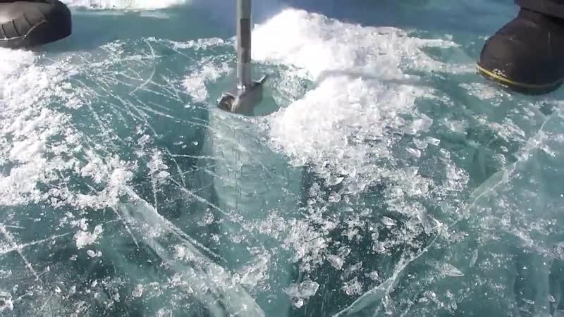 Бурение льда на Байкале. Подлёдная рыбалка ,ehtybt kmlf yf ,fqrfkt. gjlk`lyfz hs,fkrf