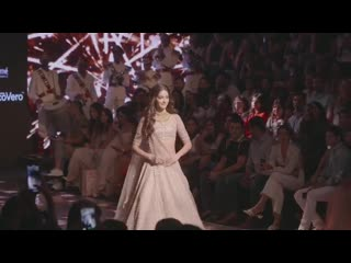 Ананья Пандей на Lakme Fashion Week 2019