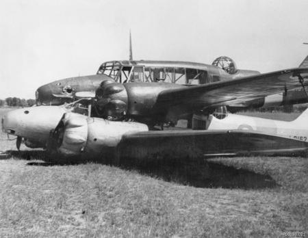 В 1940 году в небе Австралии столкнулись два британских многоцелевых самолета Avro Anson