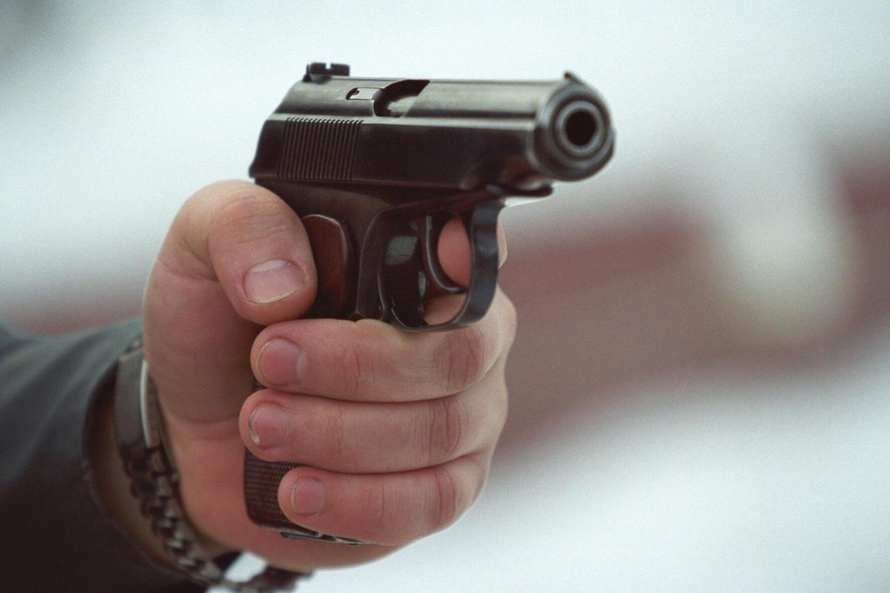 Пьяный адвокат из КЧР устроит стрельбу на улице в Краснодаре