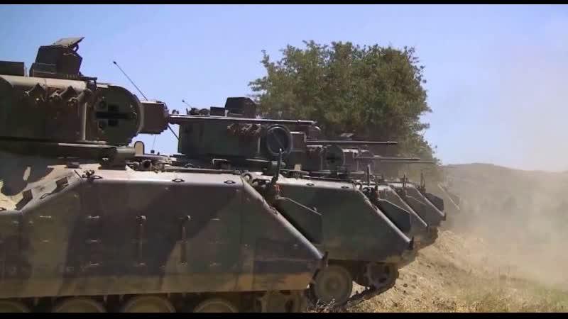 تركيا تحشد آلياتها العسكرية على الحدود السورية
